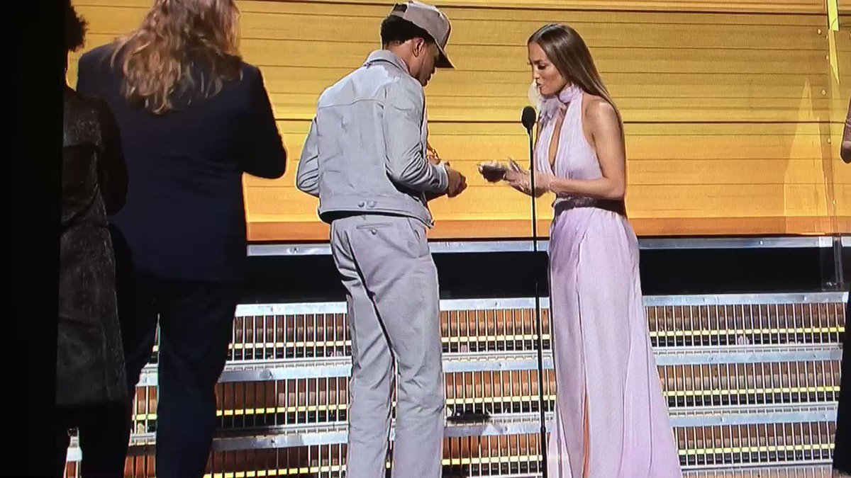Chance The Rapper wins Best New Artist #GRAMMYs