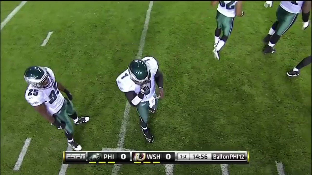 RT @TheFBCentral: Never Forget when Mike Vick and the Eagles scored on the first play of the game 🔥 https://t.co/KNufx861EY