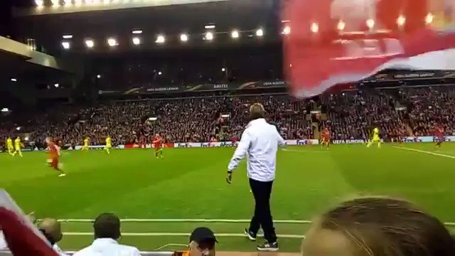 Klopp loves a good tackle... https://t.co/WXpjOWMoIE