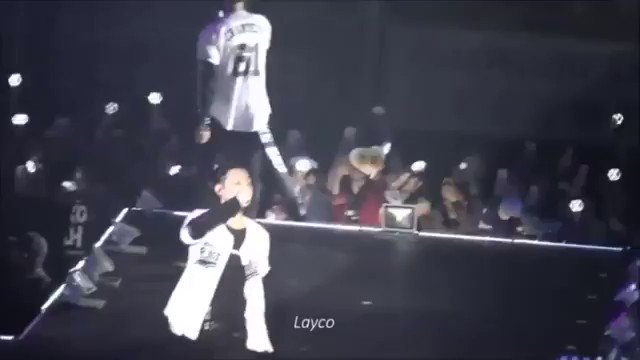 Camera captures glass bottle being thrown at EXO Lay during concert  ➜...