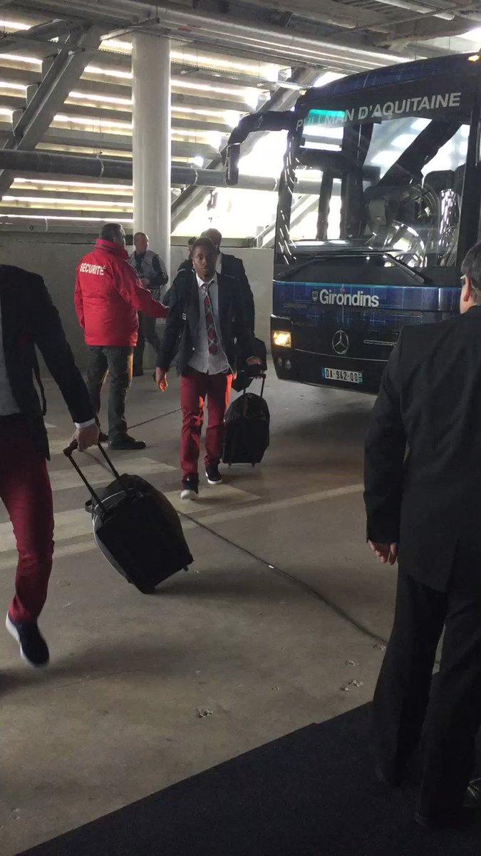 Les Girondins sont arrivés au stade pour #FCGBEAG https://t.co/NuZLHP2...