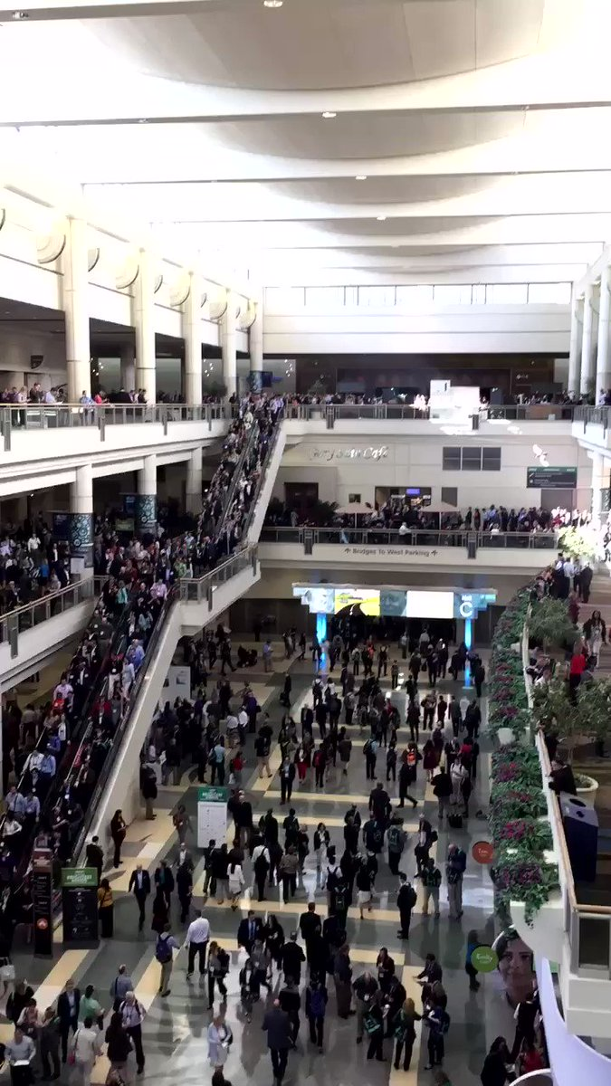 This is what it looks like when 41,555 of the brightest minds in health and IT meet! #HIMSS17 https://t.co/t2Eibj18nK