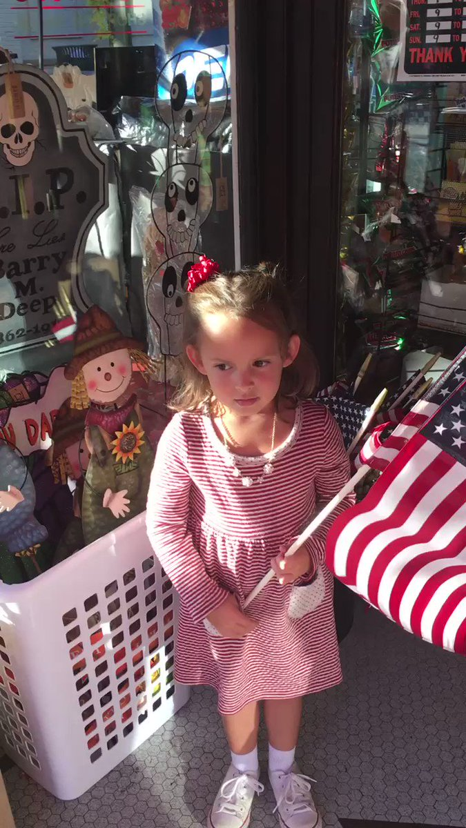 To Mr. @POTUS & All of u who ❤️ our country. My 4 yr old Granddaughter recited something special 4 all of us! 🇺🇸