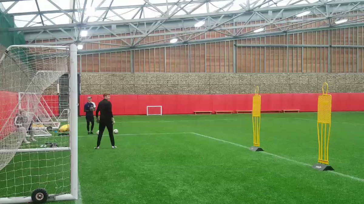 1 on 1 professional Goalkeeper coaching today #c4sfam #c4sacademy #platform #experience https://t.co/gn3gDtpnuc