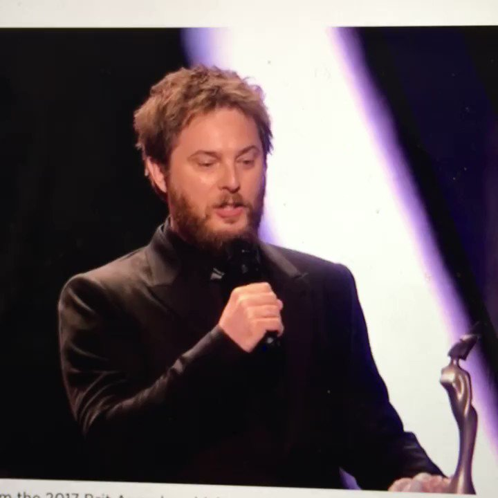 That @ManMadeMoon is a brilliant testament to his father #brits https://t.co/zmf8pcUG5r