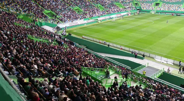 It is a record breaking day for womens soccer in Portugal @Sporting_CP v @SCBragaOficial https://t.co/i2Op3xw2vu