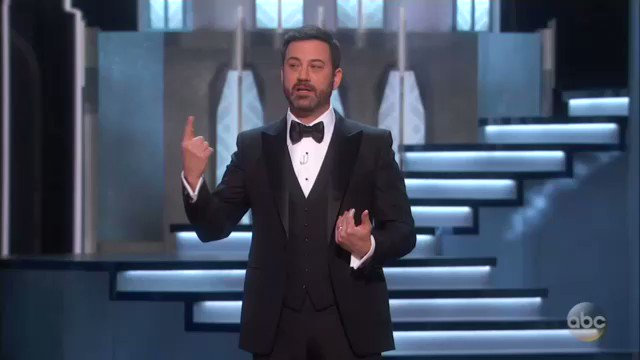 """""""There's only one 'Braveheart' in this room and he's not going to unite us either"""" #Oscars https://t.co/Vq70YYdvc7"""