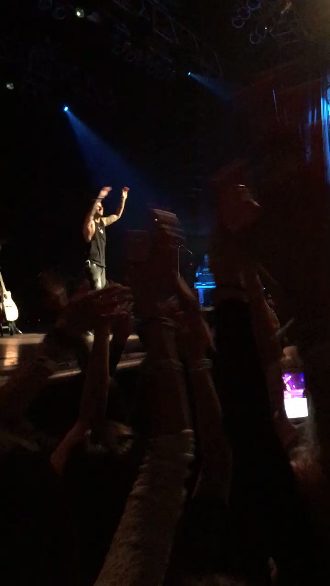 """Quiero ser GUERRERO"" @MelendiOficial Bienvenido a #Houston genio. (VIDEO) https://t.co/ZNGXcSDH6G"