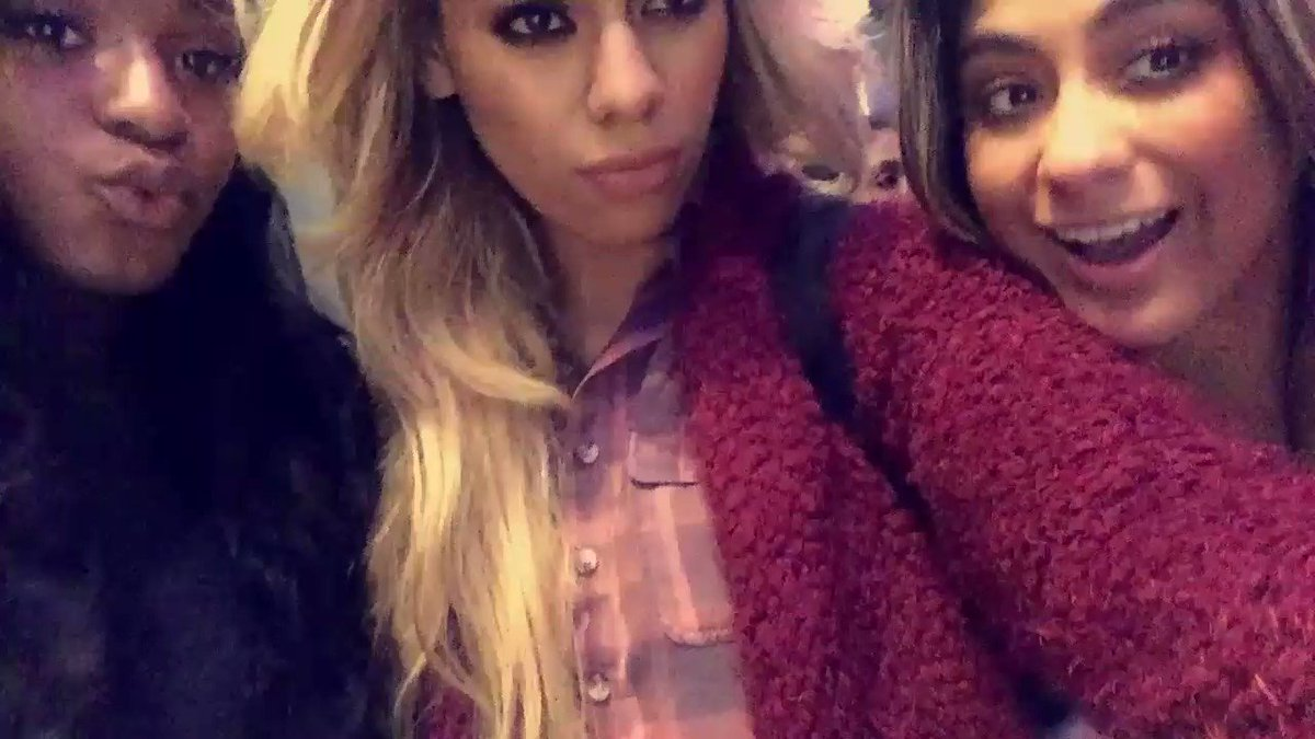 Normani making sure Dinah doesn't get in trouble 😂
