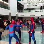 絶対取り憑かれてるw彼らの意思に反して勝手に踊りだすスパイダーマンたち!