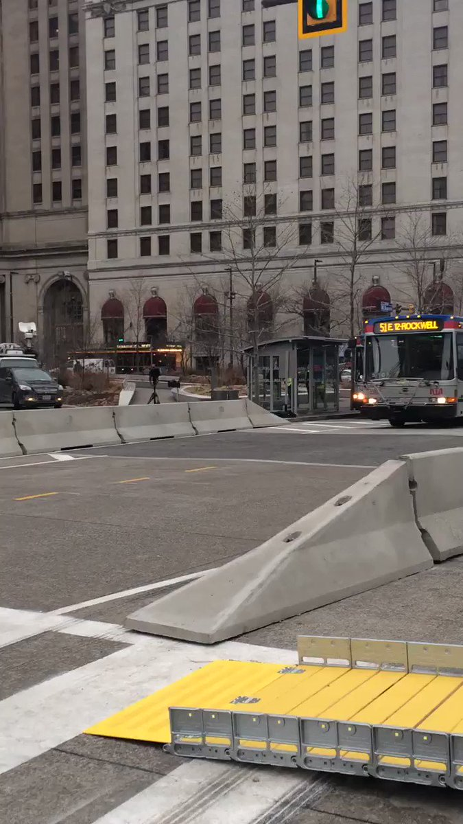 Public square is now open to bus traffic. https://t.co/bOHzETFuis