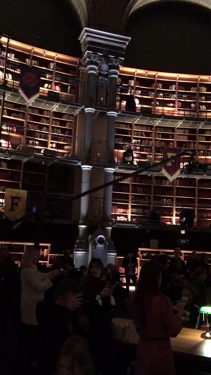 Inside the @Rihanna #Fenty #PFW library show space, where study tables are the runways. https://t.co/3OqZ9i3U2U