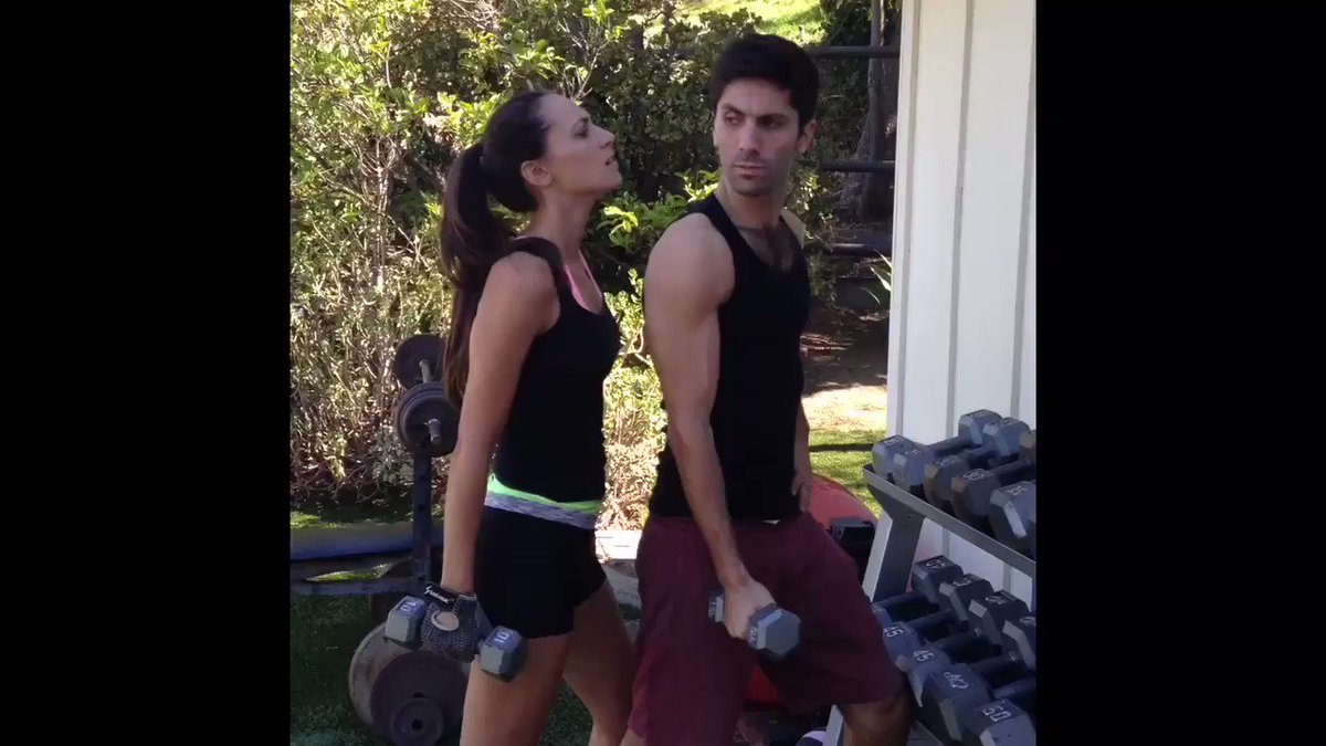 Presenting: a short musical by Julia Price and @NevSchulman in honor of  #internationalwomensday. https://t.co/SynNglRIJX