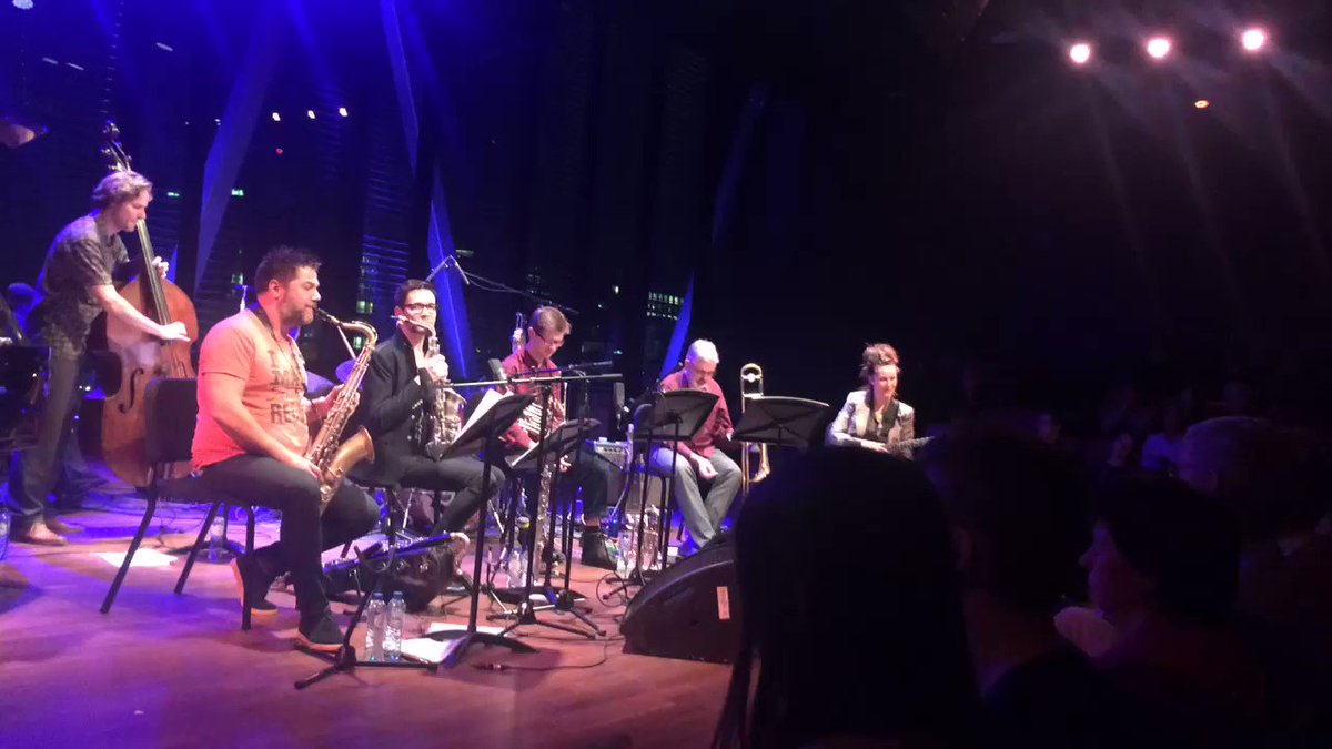 Concert met @corrievanbins was te gek! @Bimhuis #dank https://t.co/ZZCDsoxhrv