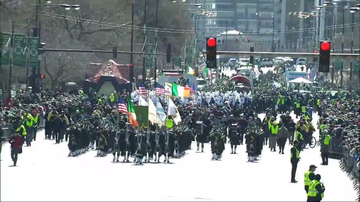 Chicago's StPatricksDay parade begun