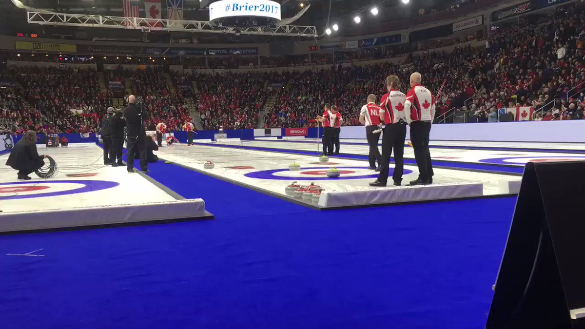 This is what winning the @TimHortons Brier in your hometown looks like! #Brier2017 #wowjustwow https://t.co/aIHeZpcptV
