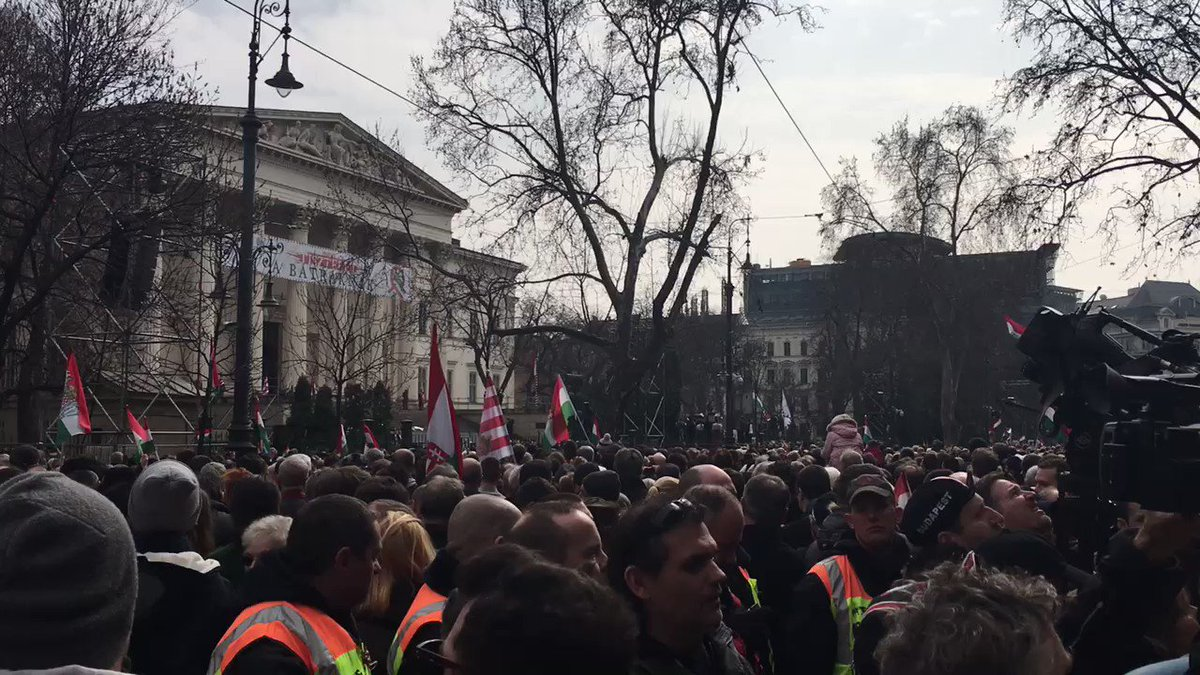 Huge whistling, horns in protest at Orbán as he comes on for speech, police had banned protest, court overruled ban
