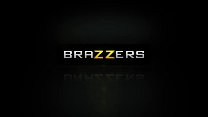 "Tonight @MissCaliCarter gets the ""Sheer Rear"" treatment #zztrailers https://t.co/fBhG6Dzd0N"