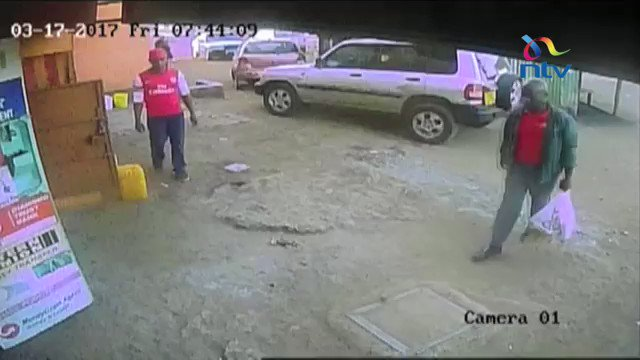 Help identify these armed and dangerous robbers. Please share widely. https://t.co/18ydvFOma5