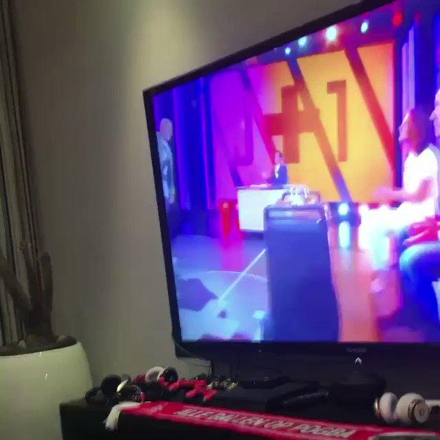 [#Video] Quand Paul Pogba danse la Pogbance en même temps que ses frères en regardant @jplusun 😄