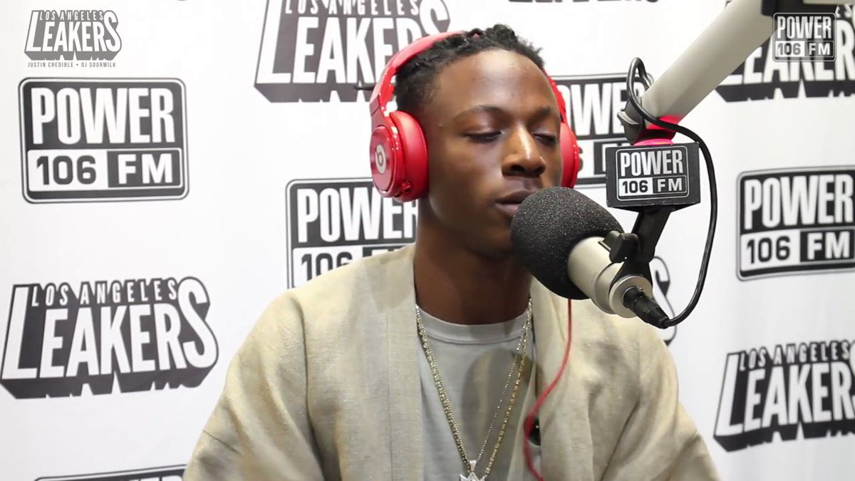 "why @joeyBADASS had to do the ""mask off"" beat like that 😨 so.genius.com/3Hz7DZH"