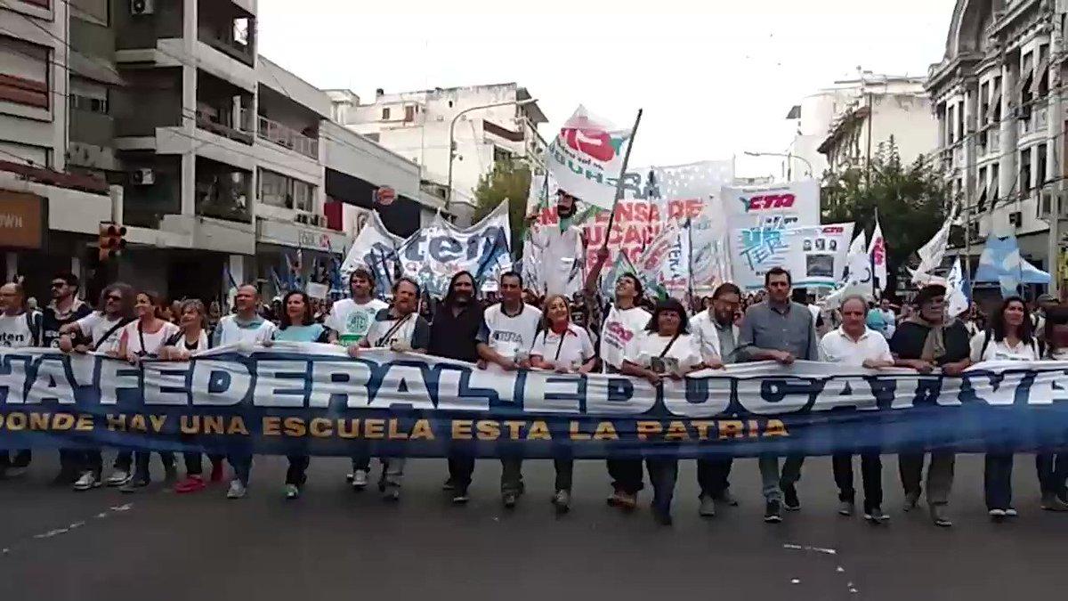 ¡Luche, Luche, Luche y Que Se Escuche! #MarchaFederalEducativa https:/...