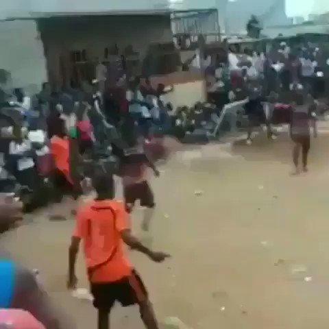 Et pourtant, Sadio Mané na utilisé sur Neymar que cette technique africaine très répandue :