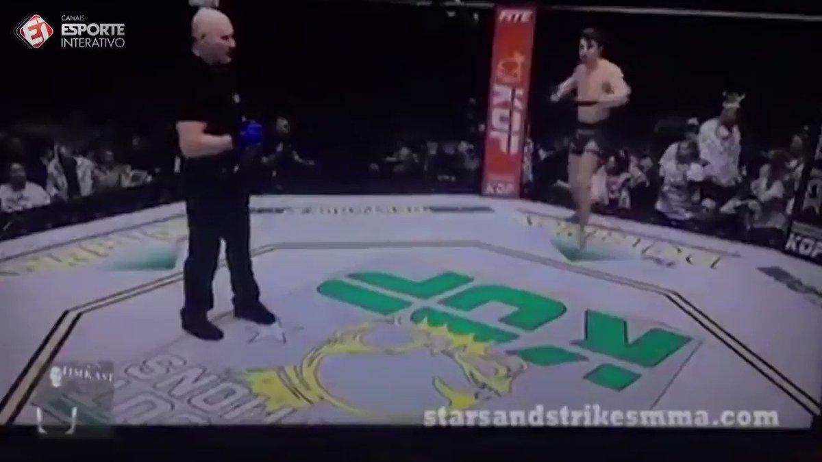 MAS OQ??? O que esse lutador faz desorientado após ser nocauteado é INACREDITÁVEL!