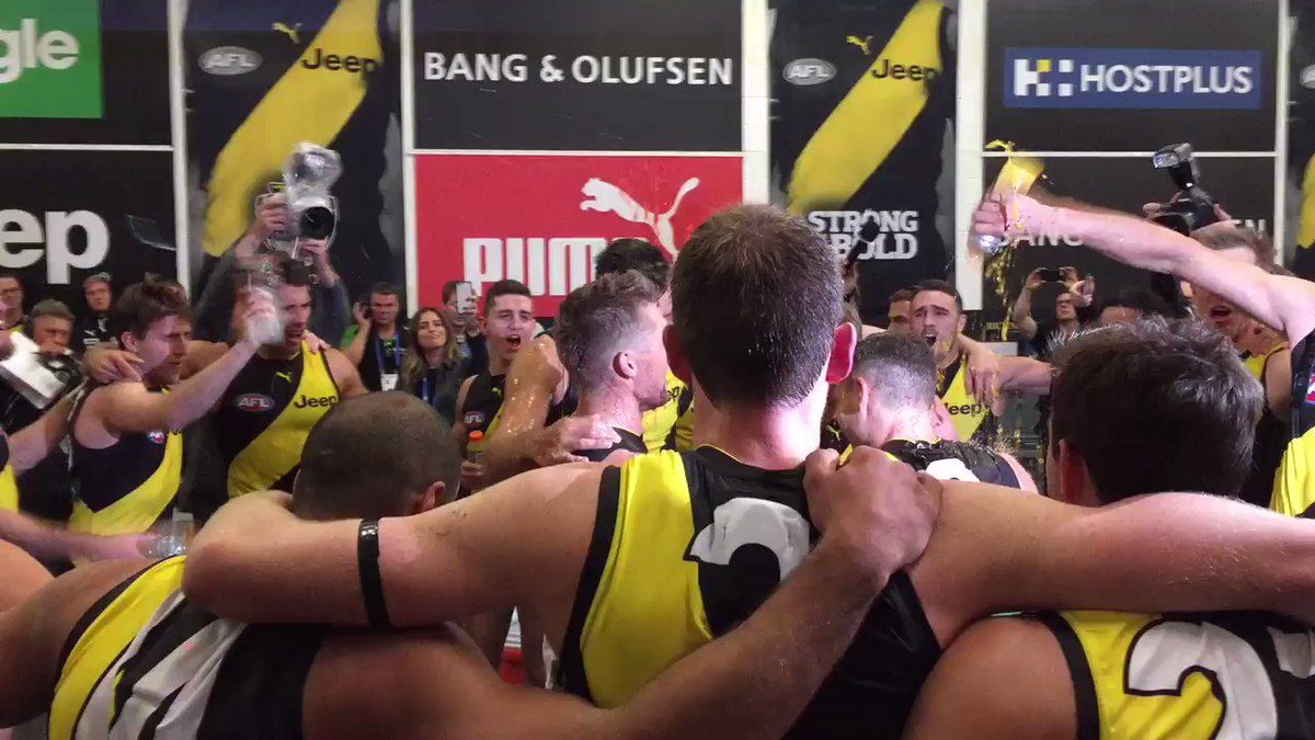 And the first four points go to... @Richmond_FC 🐯 #AFLBluesTigers http...