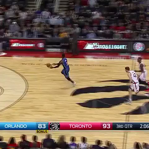 Terrence Ross likes these rims part 2. https://t.co/BqDTyAuUdK