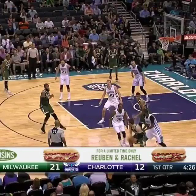 Giannis puts Frank the Tank on a poster 😳 https://t.co/UlDLtZtcCF