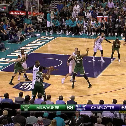 Giannis and Moose run the inbounds give-n-go for the SLAM!! #OwnTheFut...
