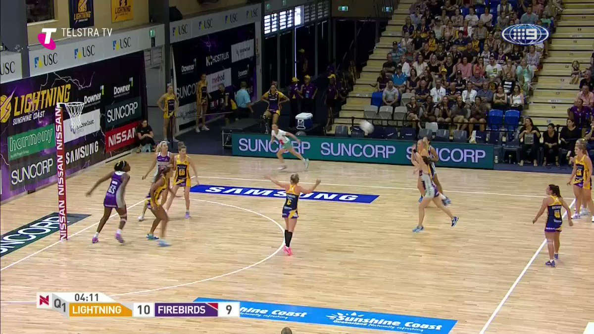 Now that's what you call a ⚡️  transition! @sc_lightning @SuperNetball @Telstra https://t.co/77PyokQUwK