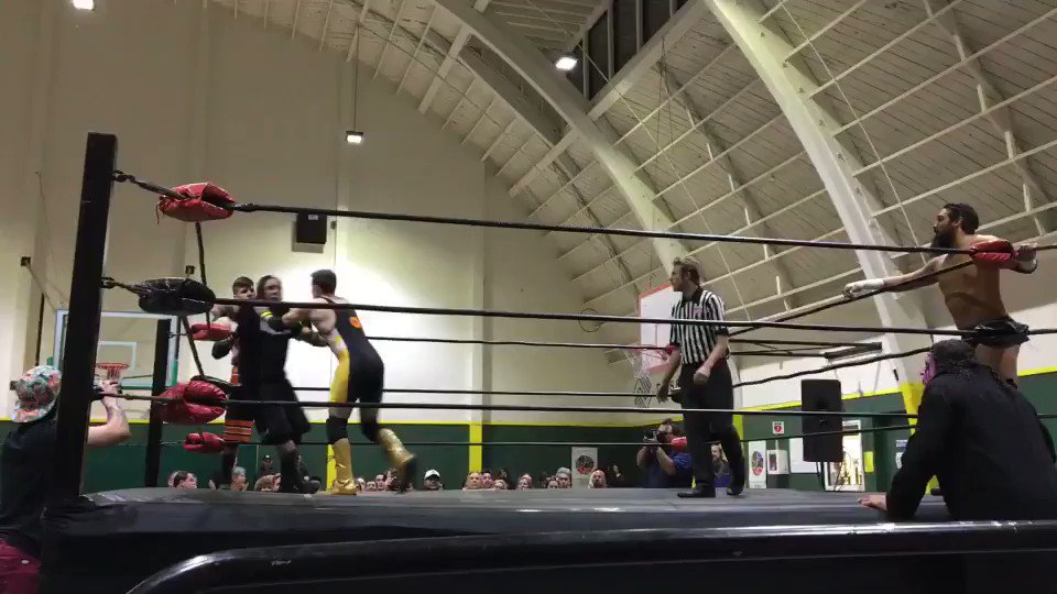 More @SirLarr & @JamesWillems action from Saturday's wrasslin' match.   Still so impressed by their performance. https://t.co/sLlEtklyWg