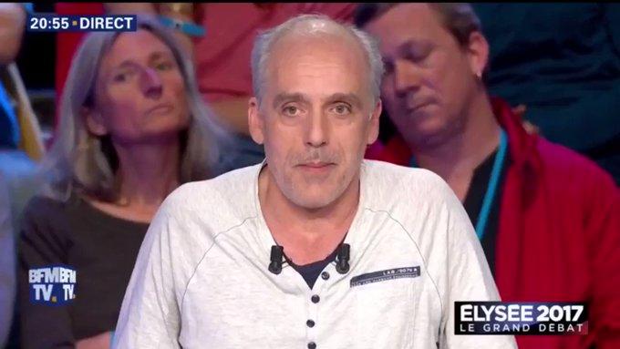#LeGrandDebat @PhilippePoutou pointe 'les politiciens corrompus qui se reconnaîtront dans la salle'