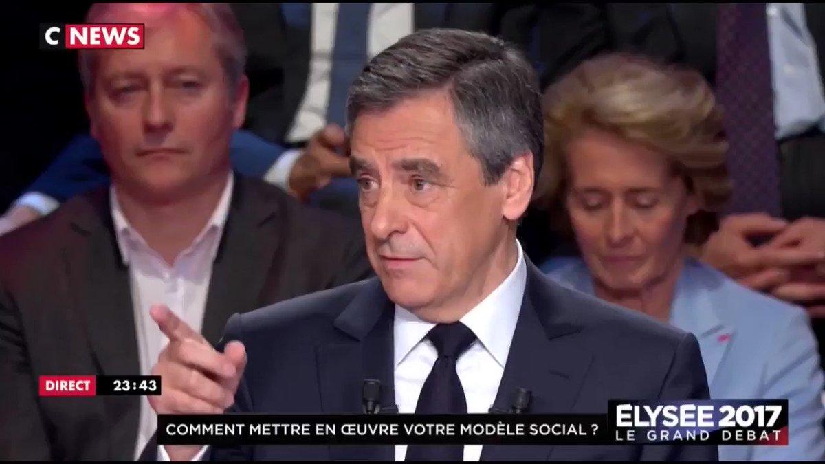 ENFIN ! François Fillon ose poser la question qui fâche en plein milieu du débat 👊 #LeGrandDebat