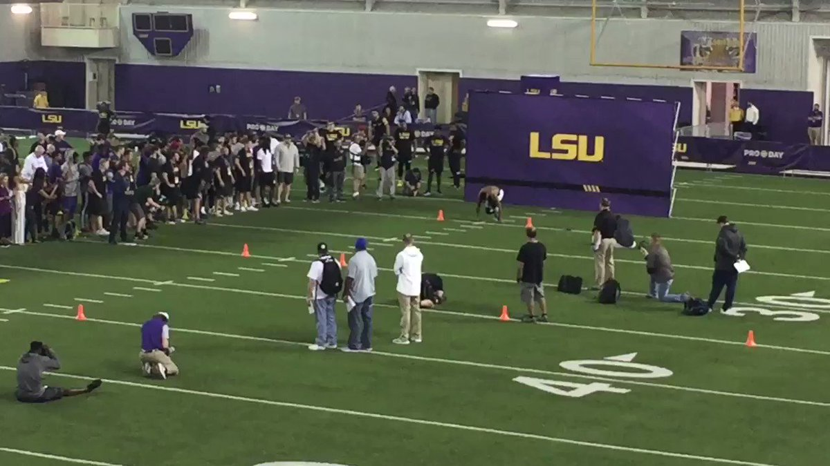 Whoa. Jamal Adams runs a 4.33 40-yard dash at #LSU Pro Day. https://t.co/pJ7v4J9oBK