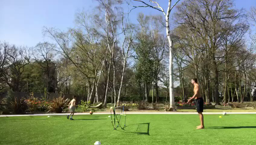 The sun is out & quick game of 2 touch... No mercy on the next generation!! #Winning #FridayFeeling https://t.co/PTFlz1zoR3