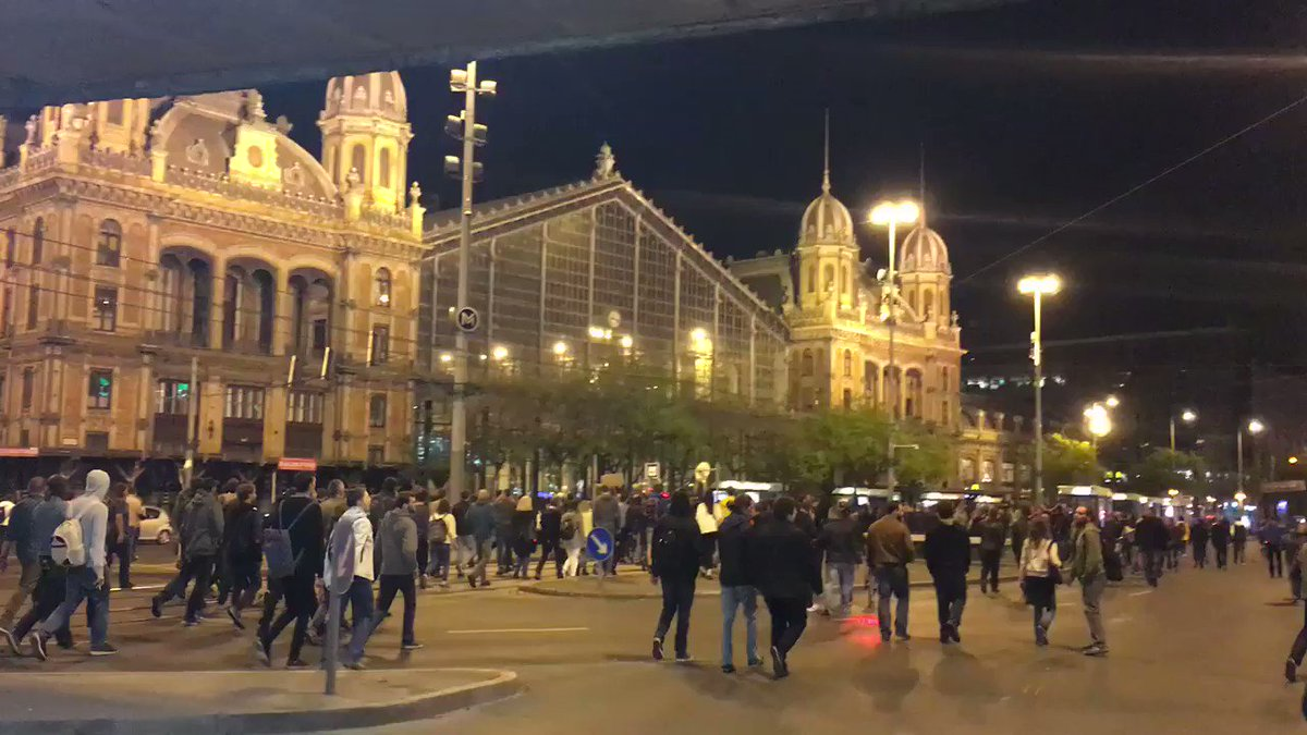 Free country Free university! Students protesting CEU law now on way to Fidesz HQ in Budapest