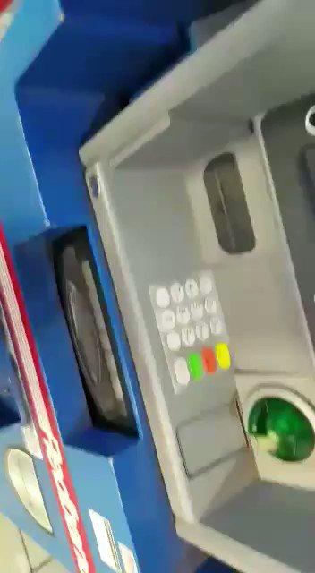 Ojo en los cajeros automáticos. Buen video para prevenir clonaciones. https://t.co/vXBWVpw0XV