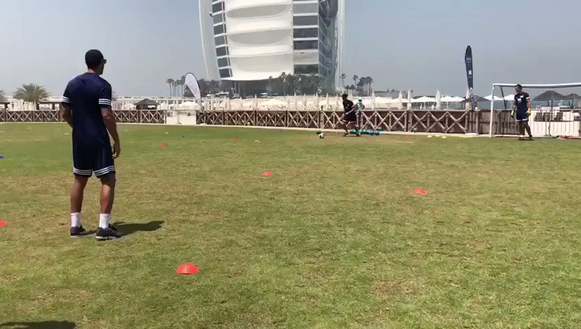 Just casually demonstrating a finishing drill... one touch & top bins.... Happy Easter everyone! #HappyEaster https://t.co/DmhXgjUOdg