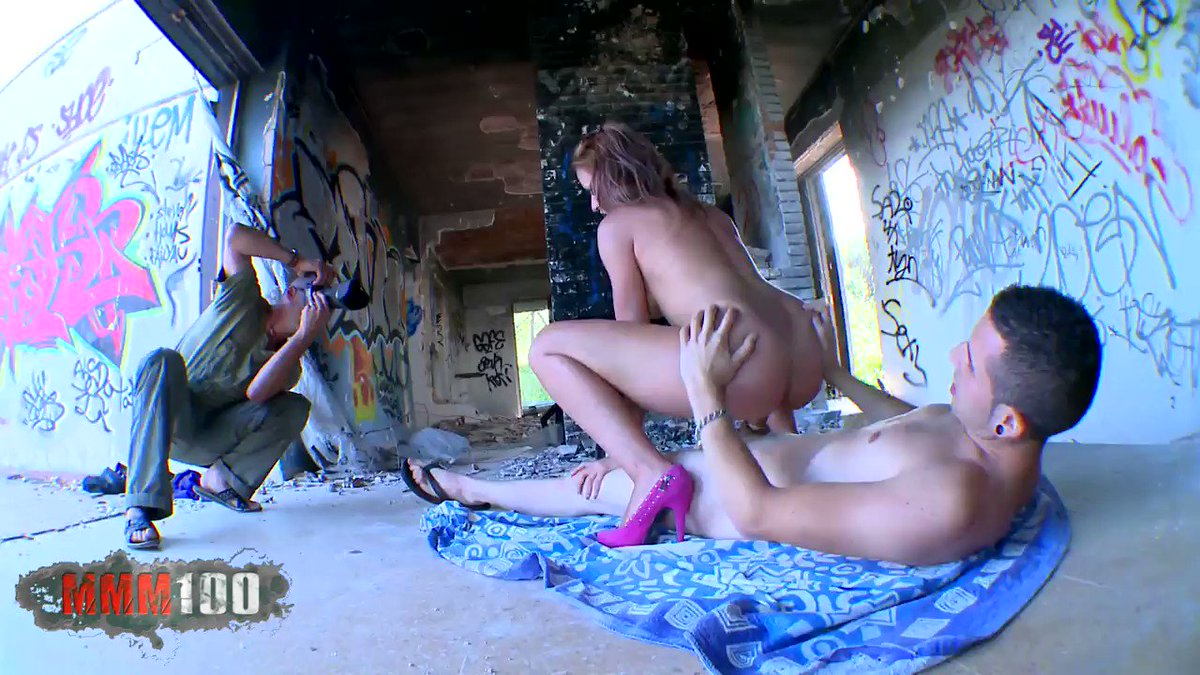 Blonde Lady Wildly Fucked By A Black In An Abandoned House Xxx Images