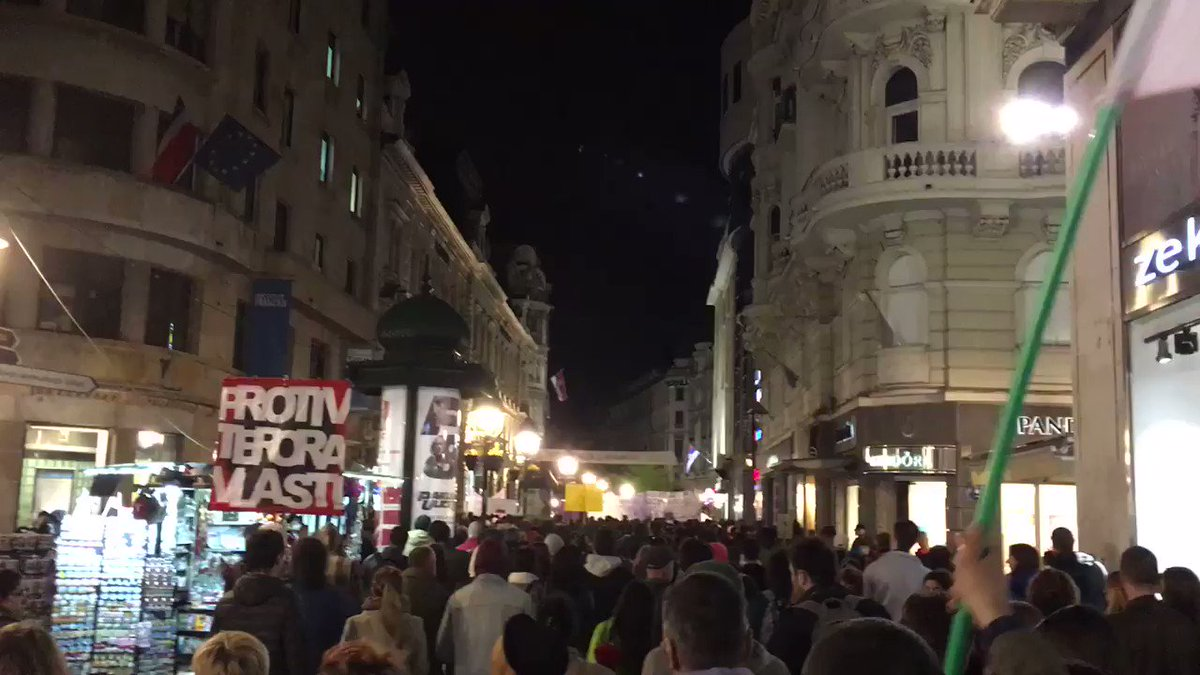 Vučić, you thief - anti-government protests in Serbia
