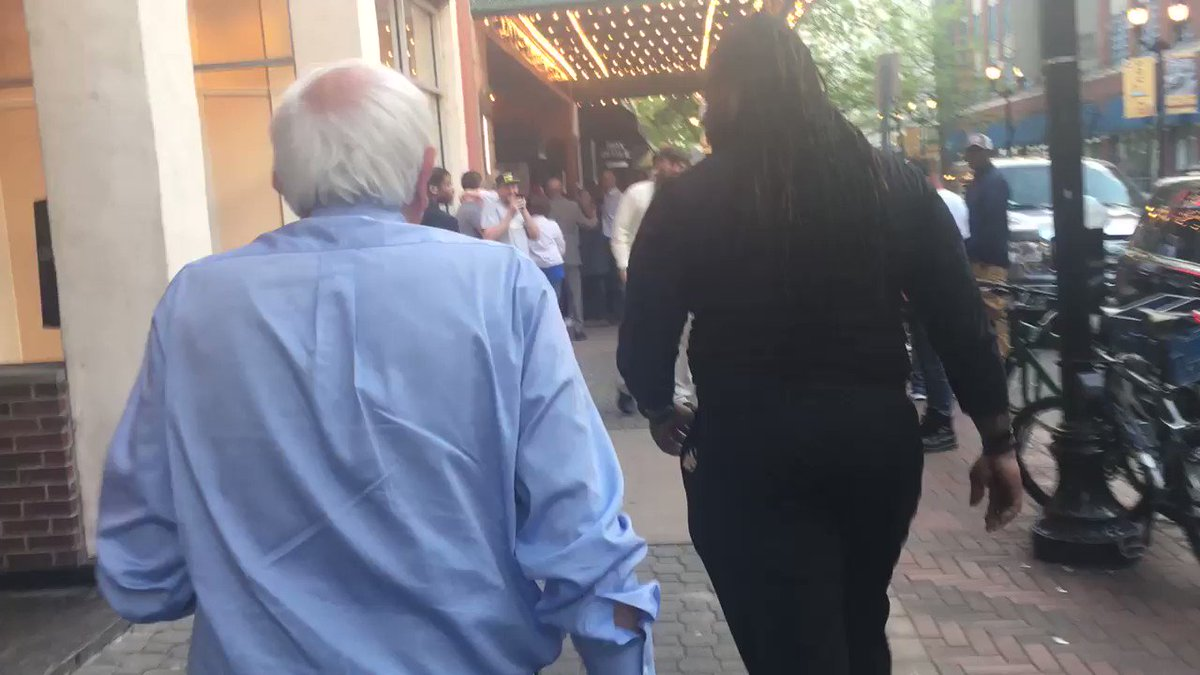Bernie goes outside to speak to the crowd that couldn't get in the theater in Louisville https://t.co/FRk7XAZiE4