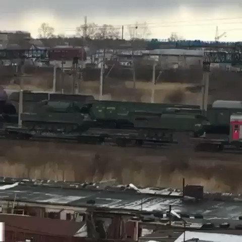 Eyewitness in Far East Russia spotted 3 trains with mil vehicles (Tor AirDef)