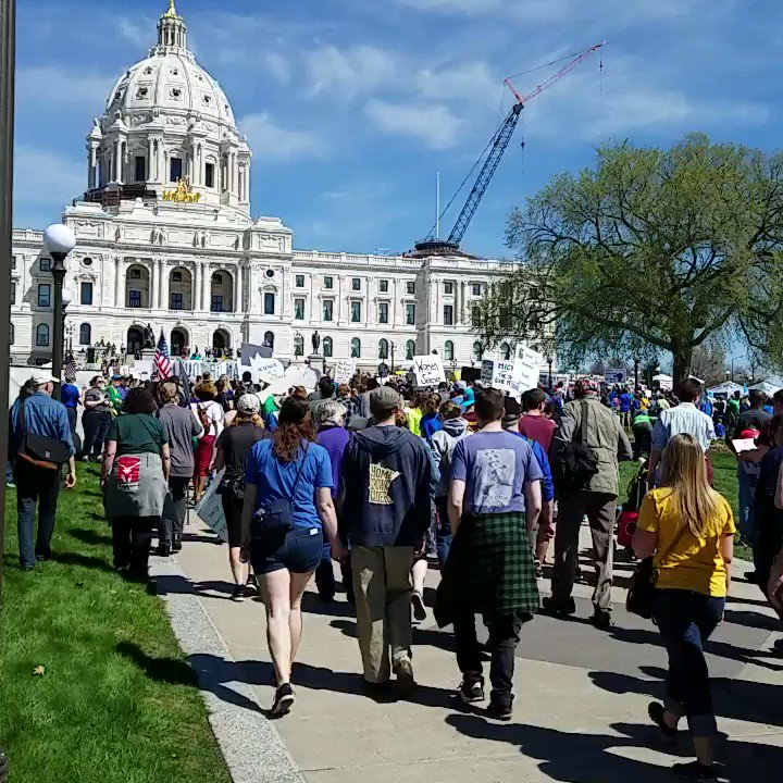 No end in sight at the St Paul #marchforscience. https://t.co/PCqZWMcdIB