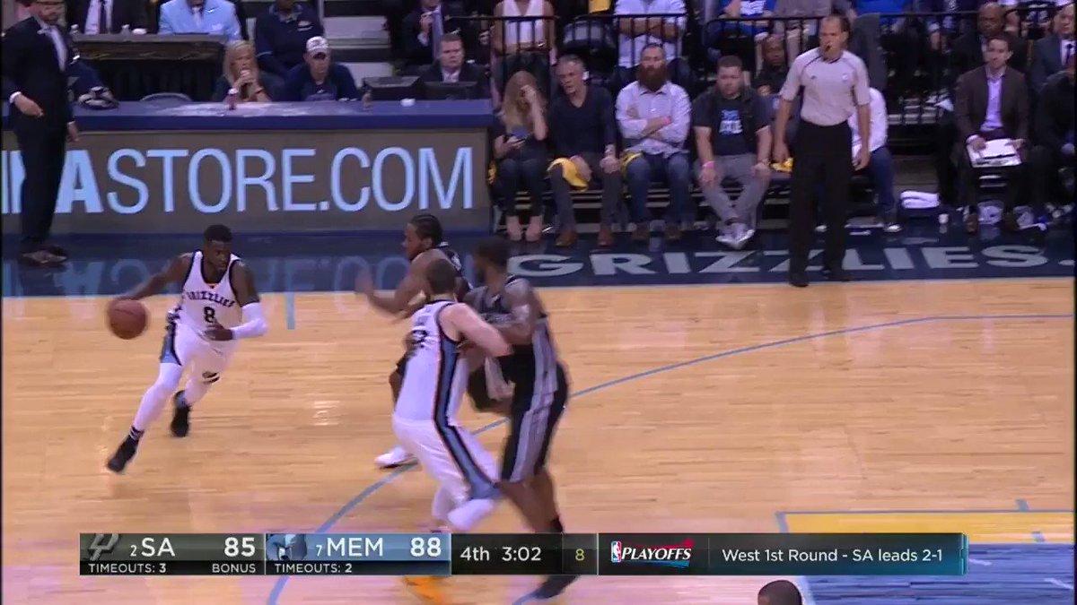 Kawhi Leonard does this basketball thing pretty well. @ESPNNBA https:/...