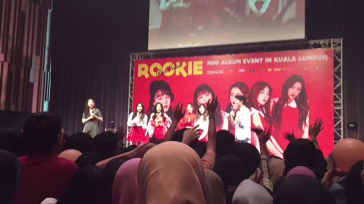 The fans sang One of These Nights for Red Velvet!!!!