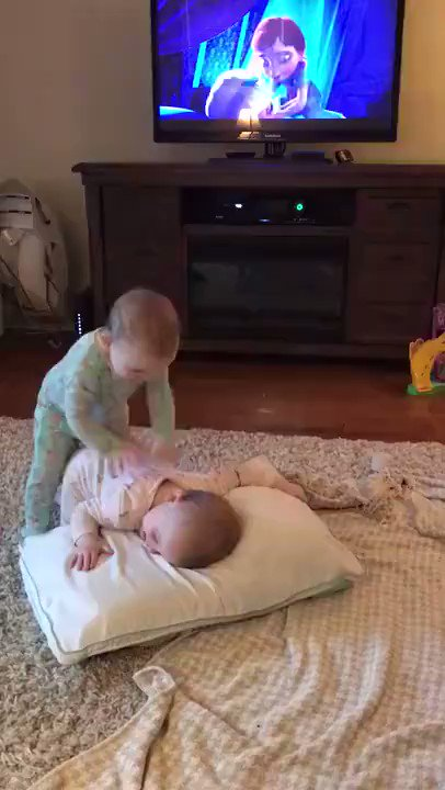 İzlerken öldüğüm videodur. https://t.co/AJMkB83Ruw