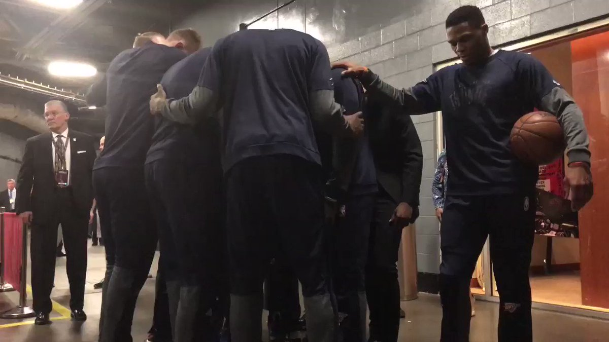 Game 5 is ON. Thunder takes the floor to #RiseAndRoar. #OKCvsHOU on @F...